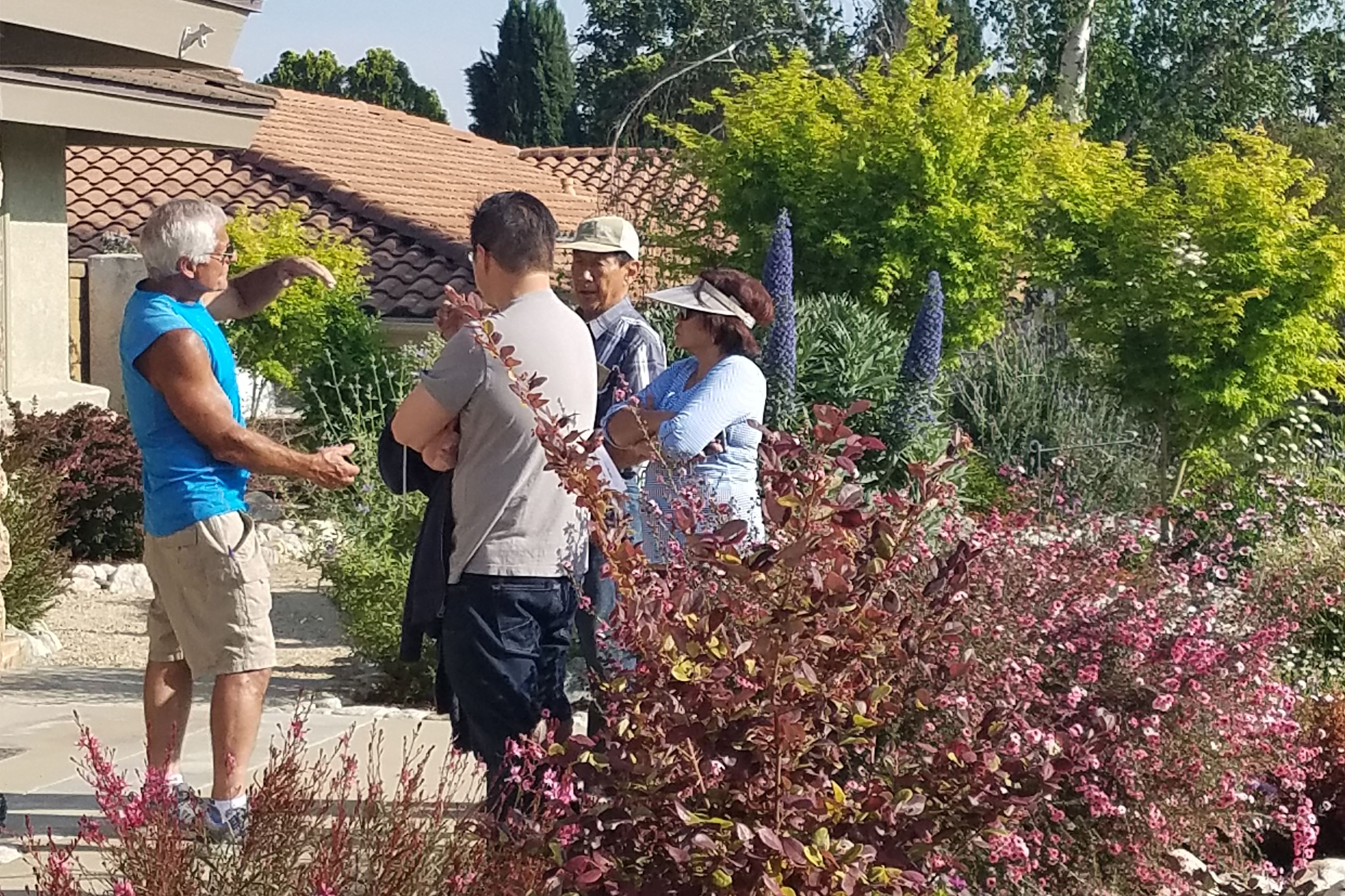 Sam Dominick Shares Water Savvy Expertise with Garden Tour Attendees
